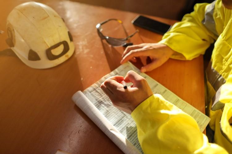 ارزیابی پیمانکاران و تاثیر آن بر موفقیت پروژه چیست؟