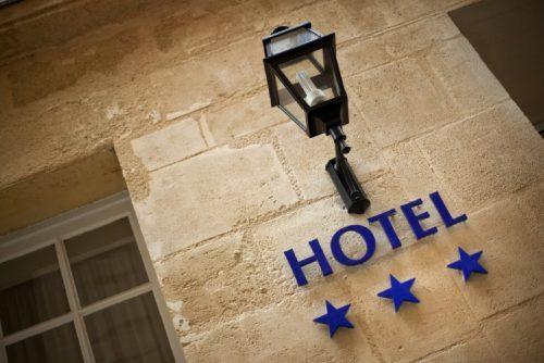 هزینه ساخت هر متر مربع هتل چقدر است؟